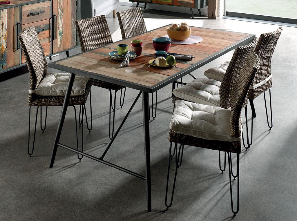 Table MANADO