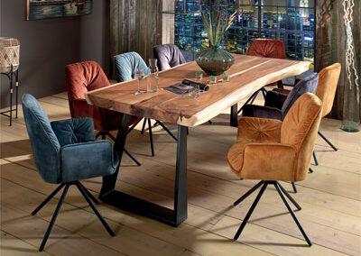 Table LOVINA